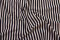 Tværstribet, gennemfarvet bomuldsjersey i marine/hvid