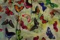 Digitaljersey med sommerfugle i flotte farver