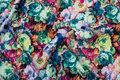 Blomstret jersey-quilt i flotte, stærke farver