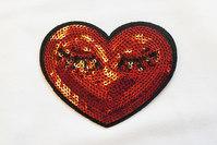 Rødt paillet hjerte strygemærke 9x8cm