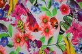 Lyseblå bomuldsjersey med blomster, fugle m.m.