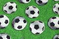 Græsgrøn bomuldsjersey med store 10 cm fodbolde