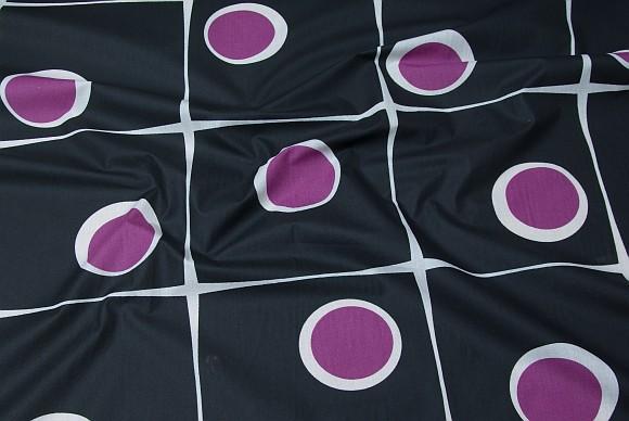 Teflon-coated stof med mønster i sort, hvid og lilla
