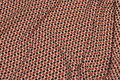 Micro-polyester med lille mønster i creme og marine og rød