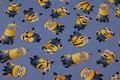 Blå bomuldsjersey med gule tegnefilmsfigurer