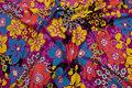 Viscose-jersey i blå-gul-rød-pink med flotte 5 cm blomster