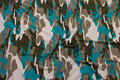 Camouflagemønstret viscosejersey i jordfarve, turkis og hvid