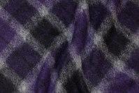 Filtet uld med skrå tern i lilla, sort og grå