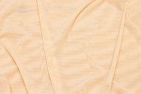 Let transparent mesh i hudfarvet