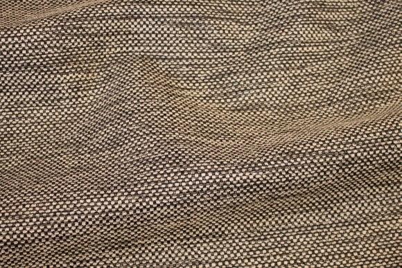 Sort og hvid groftvævet møbelvare