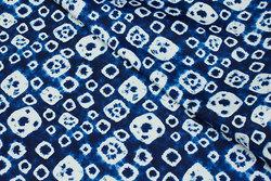 Bukse-stretch bomuld i blåt batikmønster