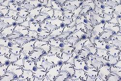 Fast, hvid bomuld med blåt porcelænsmønster