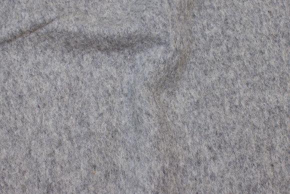 Filtet uld i lys grå