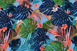 Let bluse-viscose i himmelblå med store blade i marine og coral