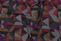 Let, meleret strik med mønster i grå, vinrød og lys brun