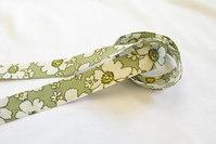Skråbånd grøn retroblomst 2cm