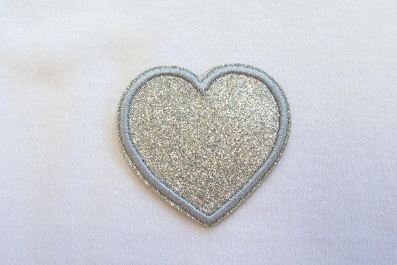 Sølv hjerte strygemærke 4 cm