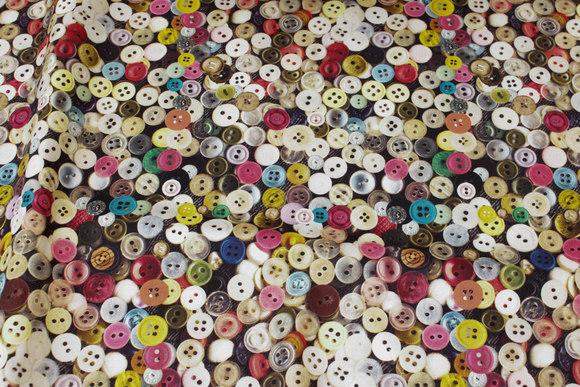 Kraftig bomuld med masser af knapper