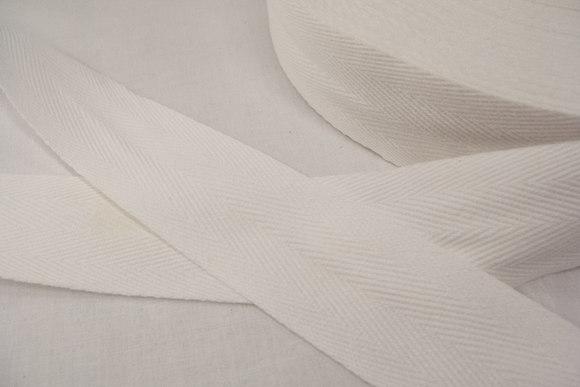 Sildebensvævet bomuldsbånd 4 cm hvid