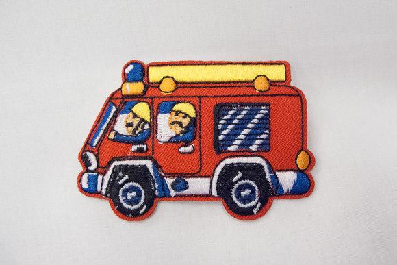 Sød lille brandbil strygemærke 7x5cm