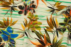 Let, off white bluse-viscose med blomster
