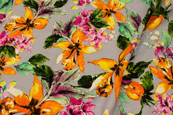 Lysegrå bluse-viscose med store blomster