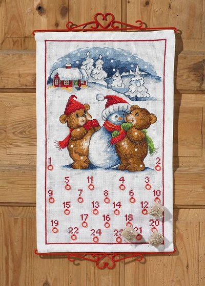 Julepakkekalender med bamser og snemand