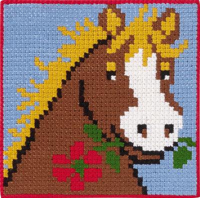 Hest med blomst i mund