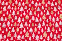 Rød julebomuld med træer i hvid og guld