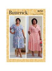 Kjole med taljebånd og knapper. Butterick 6763.