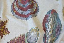 Hørfarvet bomuld og og polyester med store konkylier