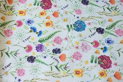 Hørfarvet bomuld og polyester med markblomster