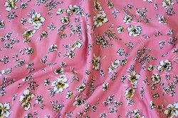 Tencel-Modal blød jersey i gammelrosa med 1-2 cm blomster
