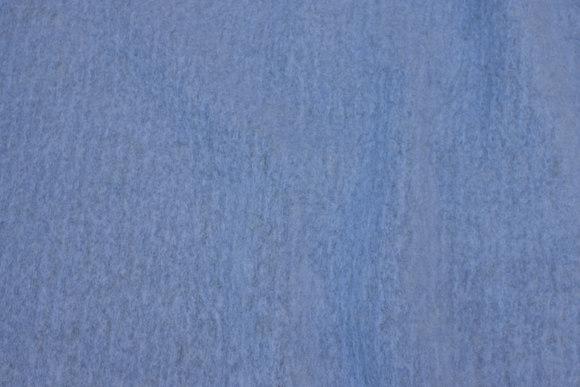 Filtet uld i lys støvblå