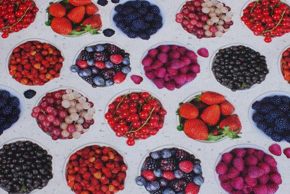 Hvid, mellemsvær bomuld med frugter