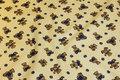 Lysegul enkeltvævet frotté med 3 cm bamser.