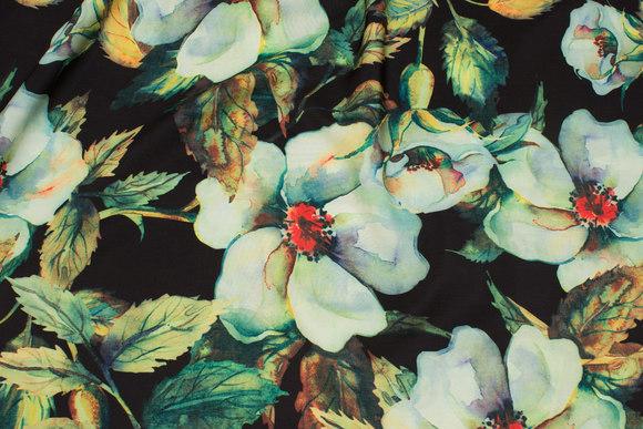 Sort, let micro-polyester med støvgrønne blomster