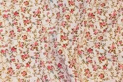 Fast, hvid bomuld med pink roser