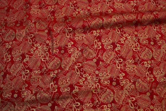 Guldtryk på rød patchworkbomuld