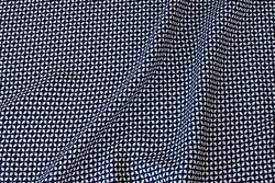 Marine bluse-viscose med ca. 1 cm hvidt mønster