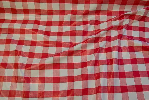 Rød og hvid ternet voksdug med 2,5 x2,5 cm tern