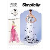 Stropløs kjole, aftagelig slæb og bælte. Simplicity 9289.