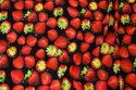 Sort bomuldsjersey med flotte, røde jordbær