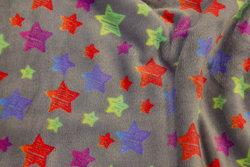 Superblød grå microfleece med multifarvede stjerner