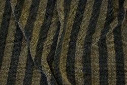 Tværstribet chenille strik i sort og oliven
