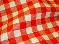 Voksdug med rød-hvid køkkentern på 25 mm