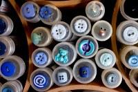 Blå knapper 5, bl.a. bamse, snabelA