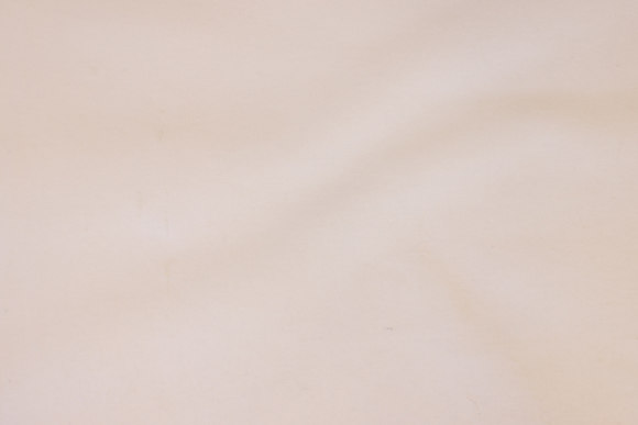 Hvid flonel med gummikerne til vådliggerlagen