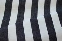 Hvid liggestolestof med sorte striber 4 cm striber