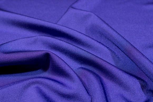 Mørk lilla stretchlycra til dansetøj, toppe og leggings.